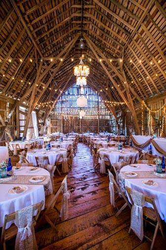 Crooked River Weddings Barn